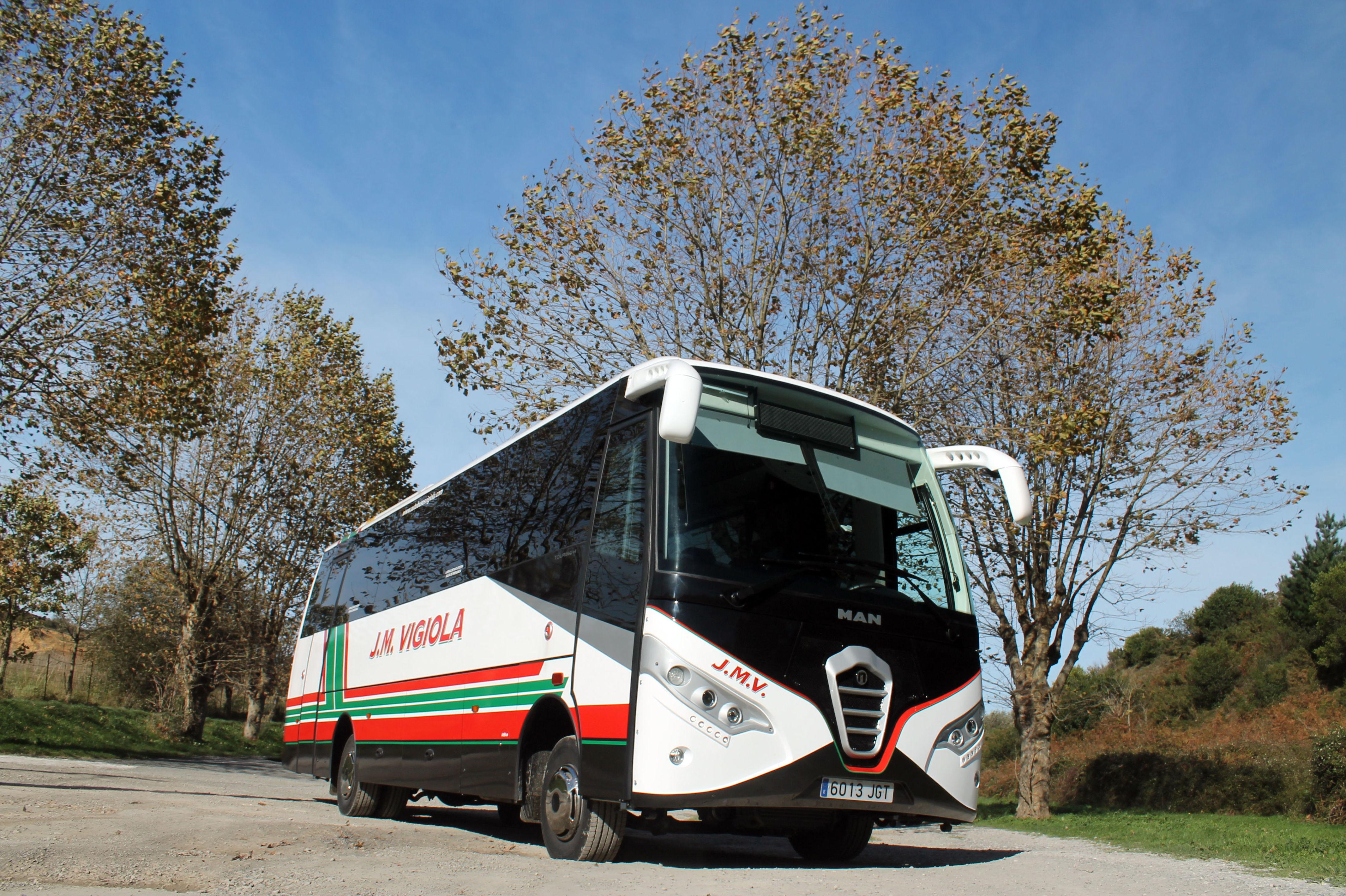 Foto 24 de Autobuses en Abanto Zierbena | J. M. Vigiola