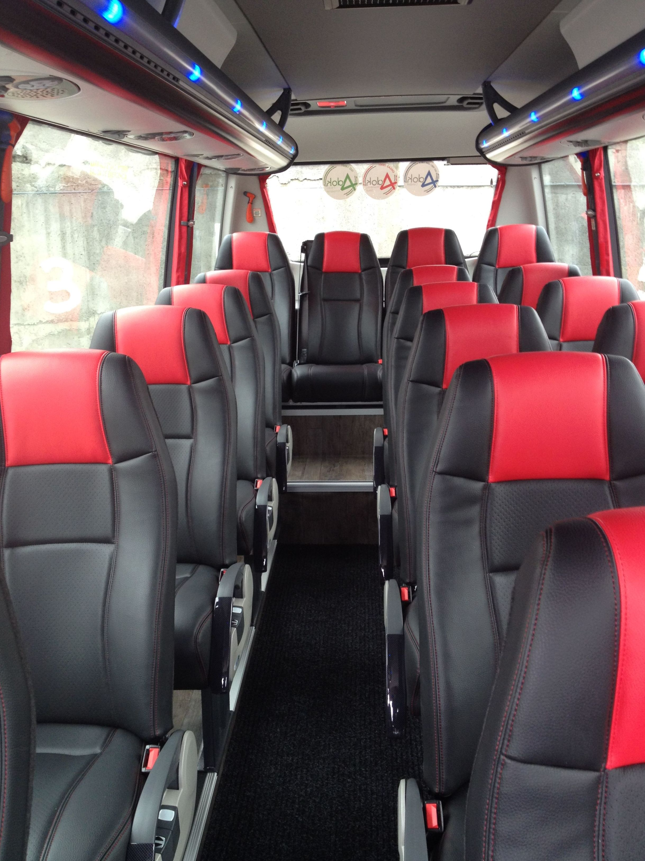 Foto 6 de Autobuses en Abanto Zierbena | J. M. Vigiola