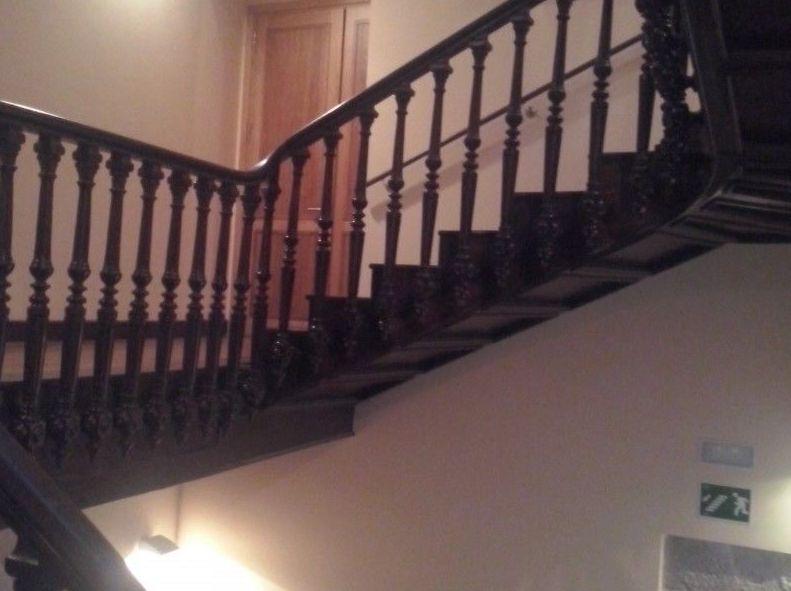Pasamanos de escalera de madera