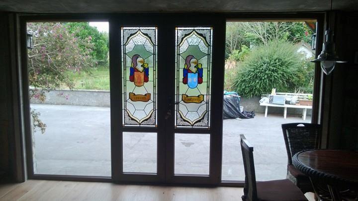 Entrada a la casa en PVC, cristales de cámara de seguridad