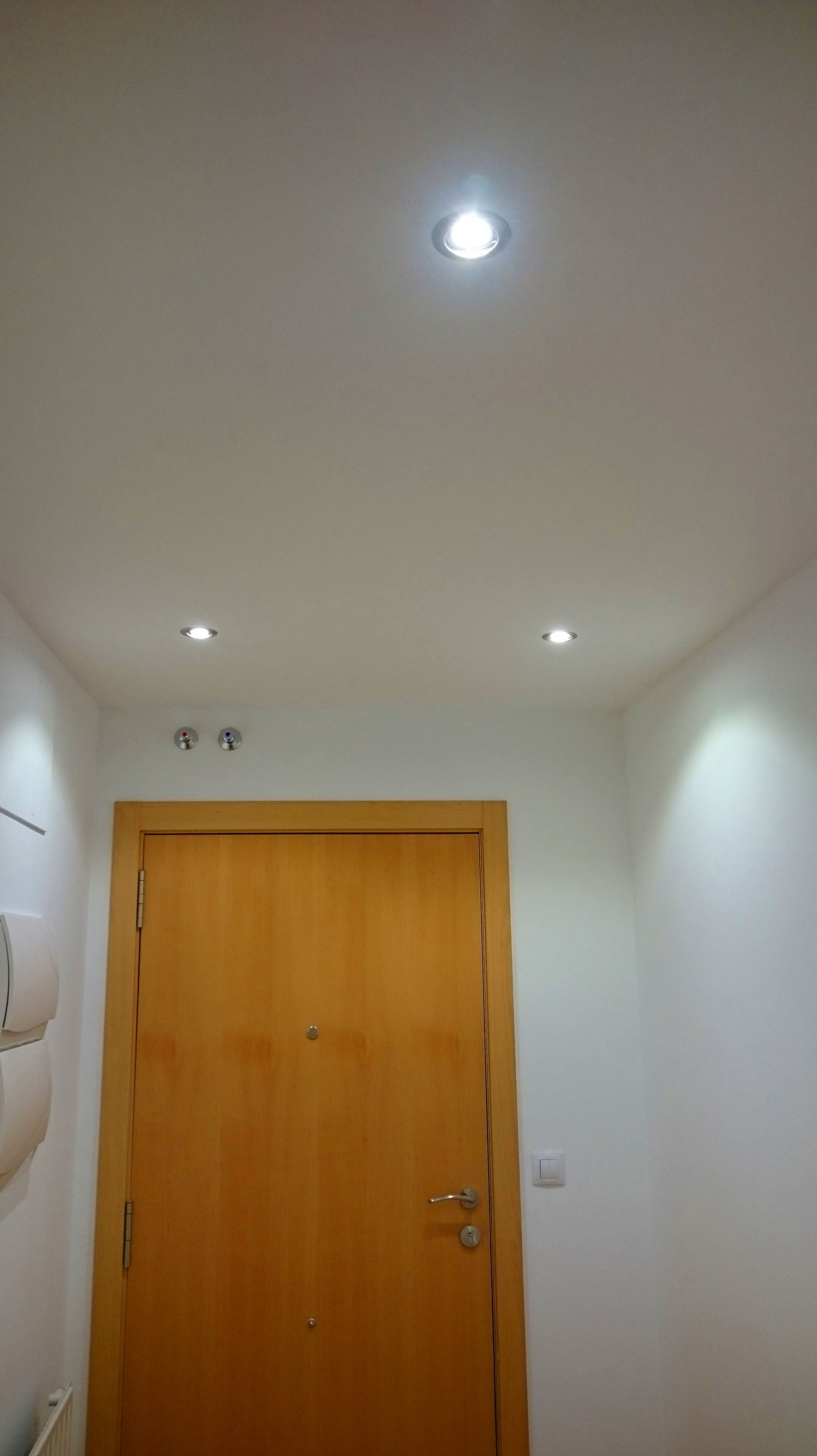 Focos led 7w en hall (color niquel satinado)