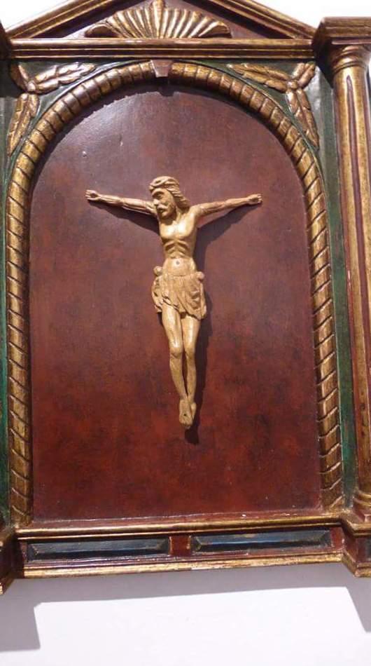 cristo con capilla hecho en el taller