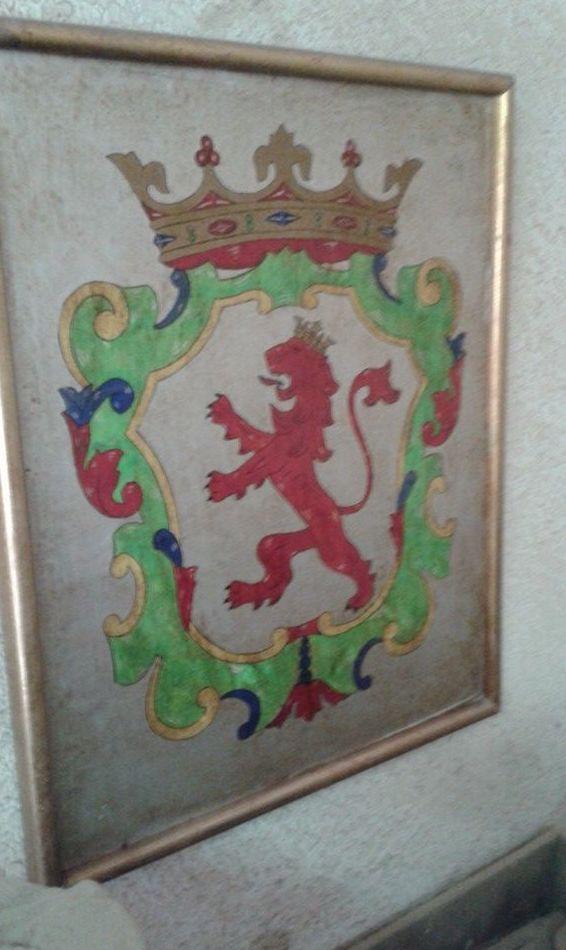 una de mis pinturas escudo de Leon