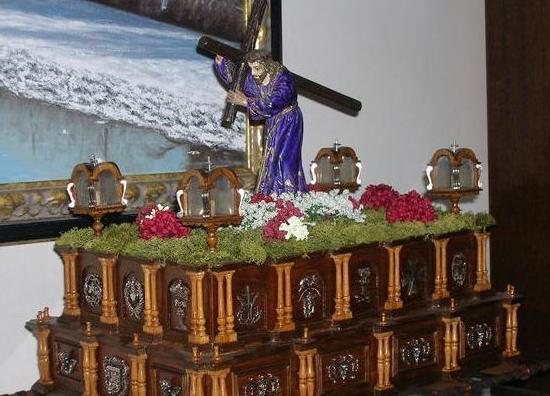 Exposición de los tronos de la colección Jesús Fernández García