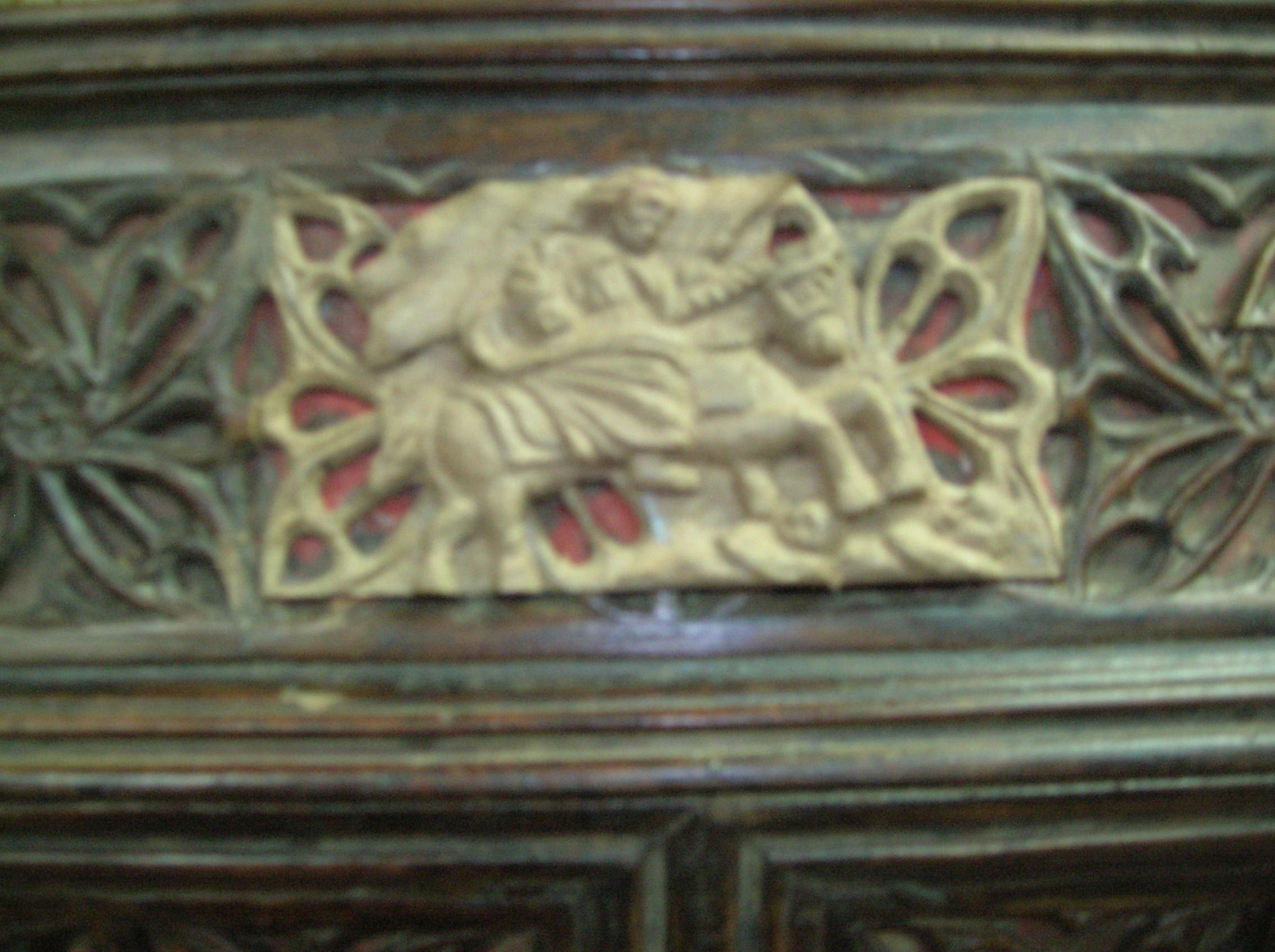 talla de santiago en arqueta gotica