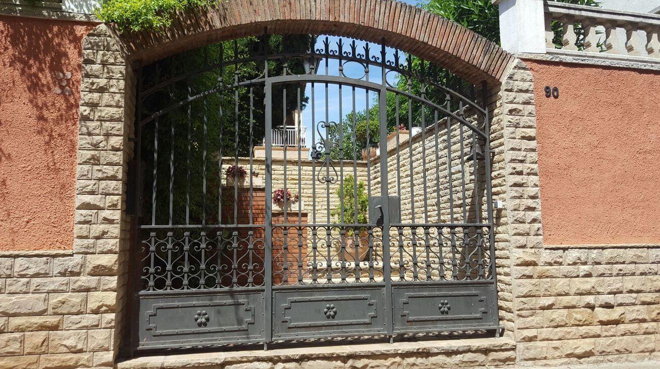 Puerta de forja  Forja Perez