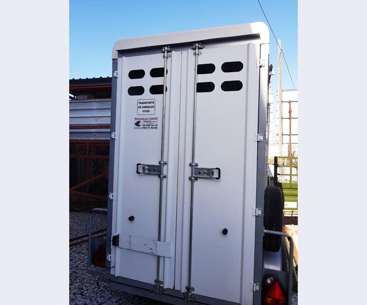 Remolques para el transporte de animales en Valencia