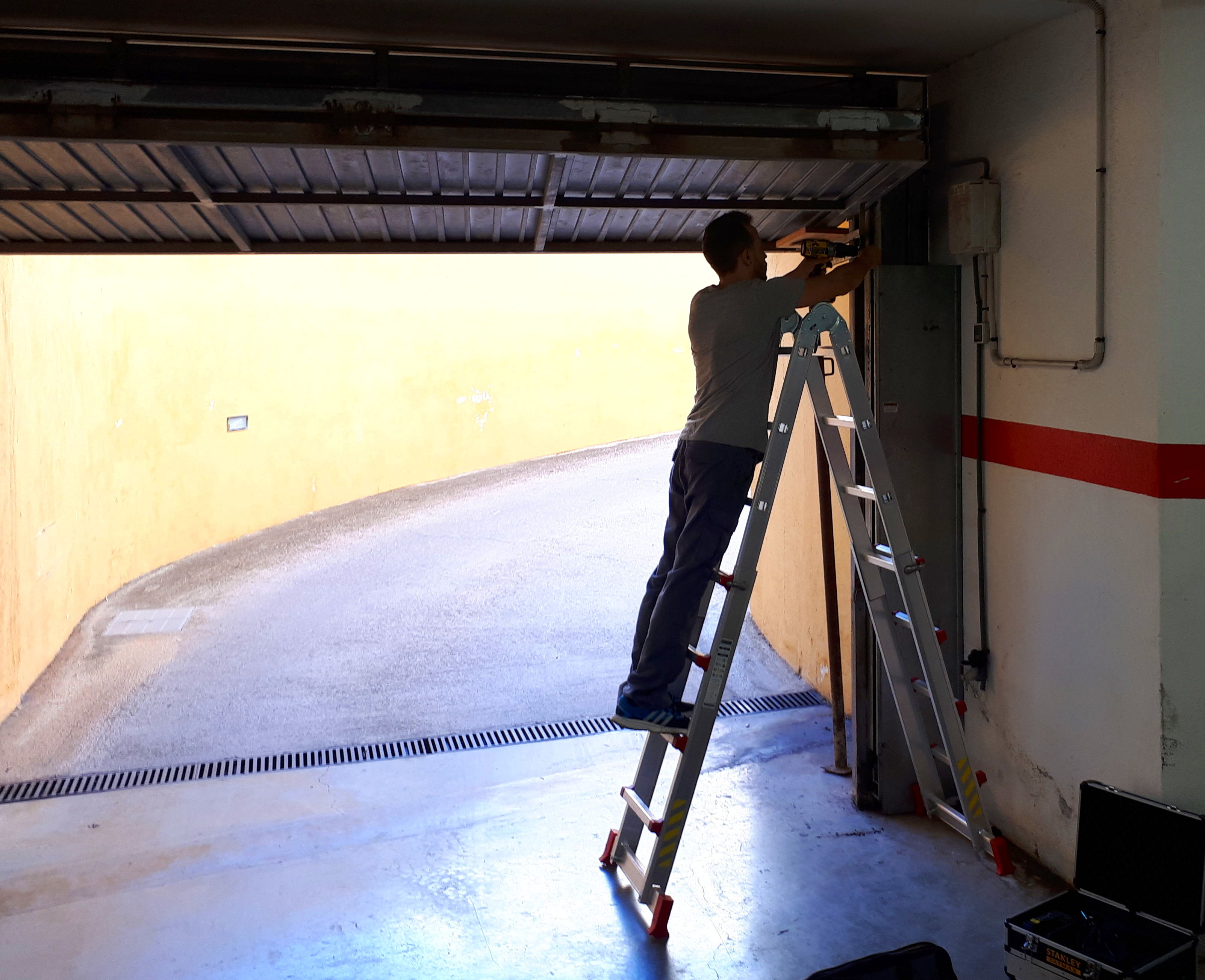 Foto 2 de Carpintería metálica en Ibiza | Cerramatic Ibiza 24 horas