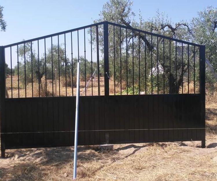 Puertas de acceso a fincas en Ibiza