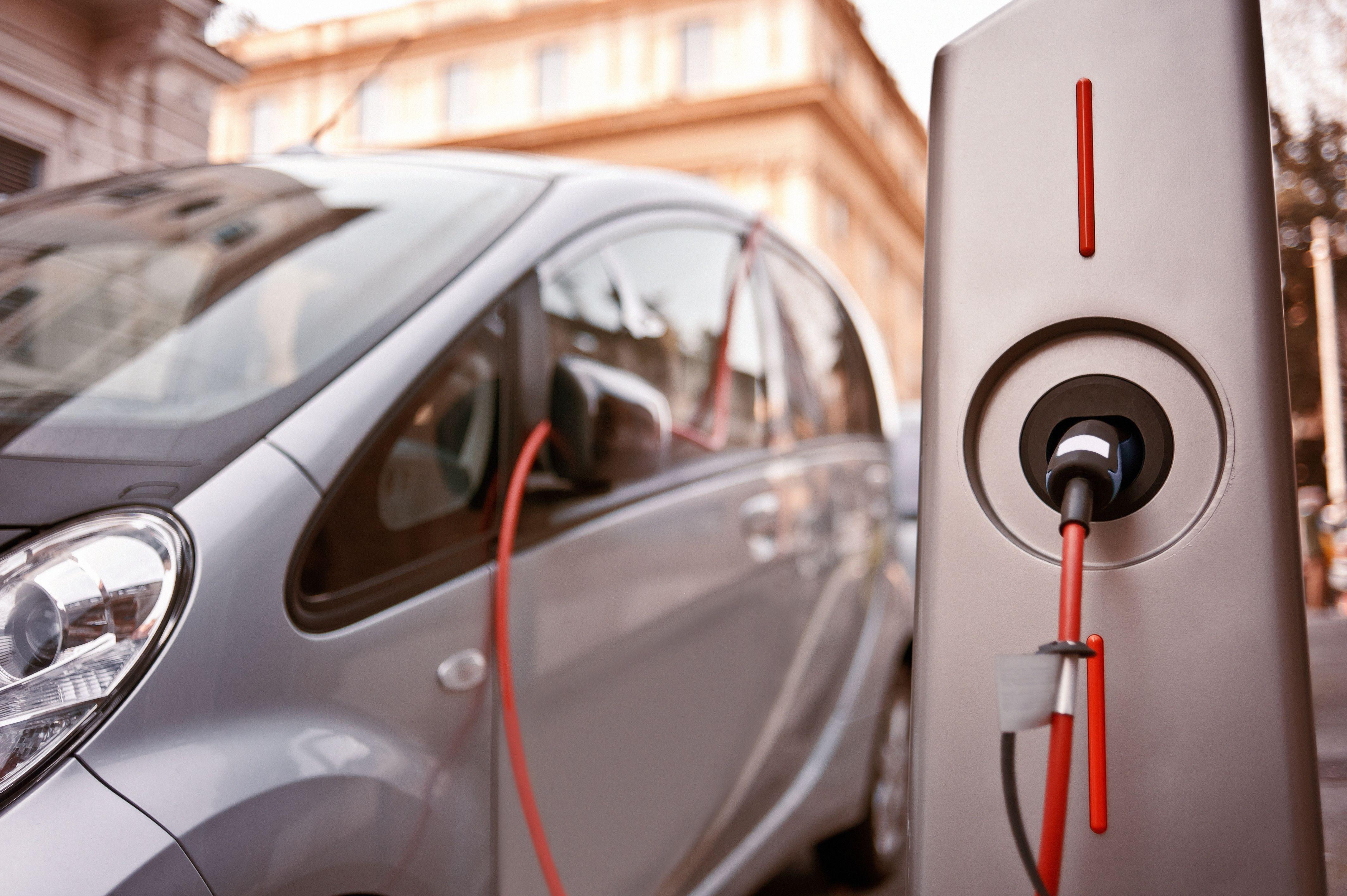 Instalacion de recarga coche eléctrico en Retiro