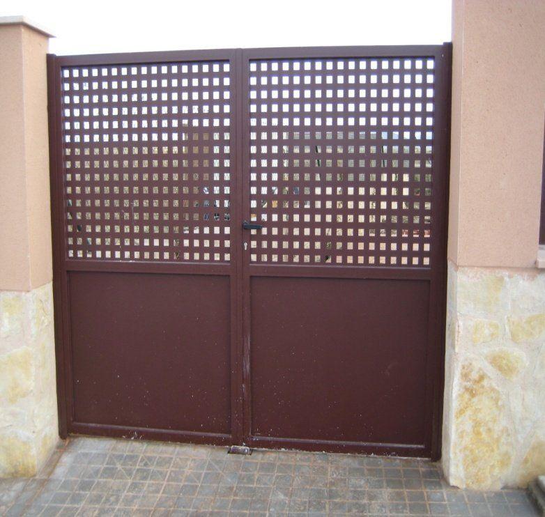 Puertas exteriores en Segovia