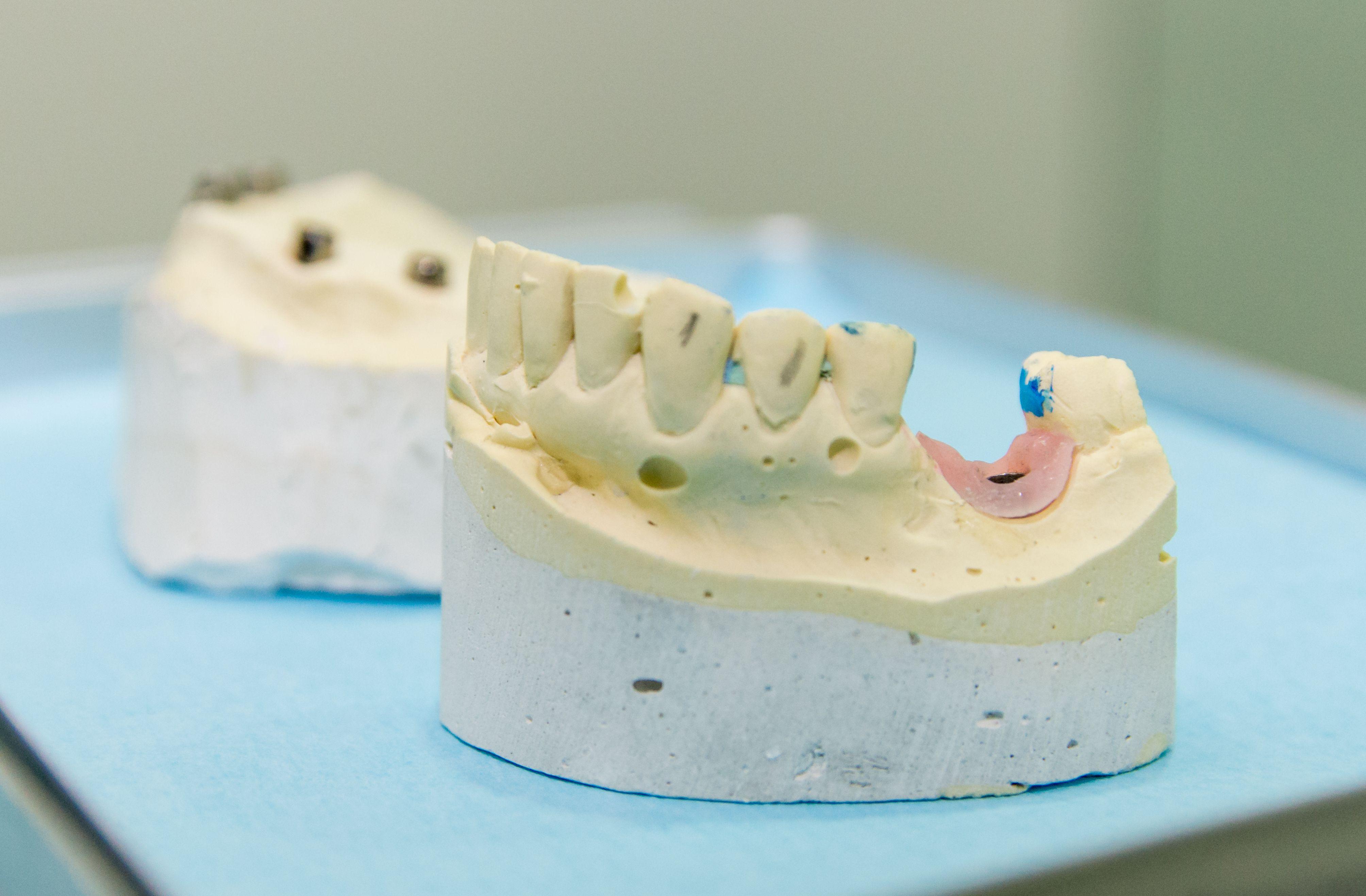 Disfruta de una boca sana con nuestros expertos dentistas