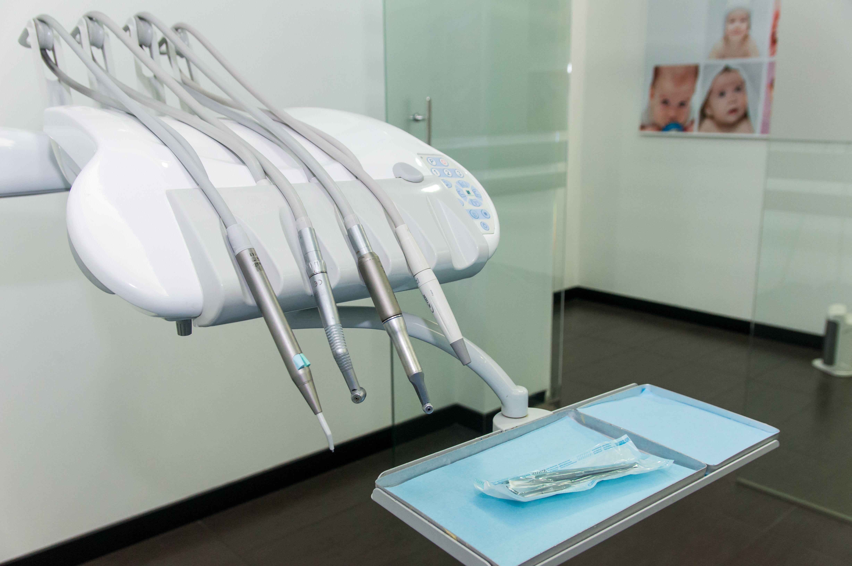 Disfruta de una sonrisa sana en nuestra clínica dental