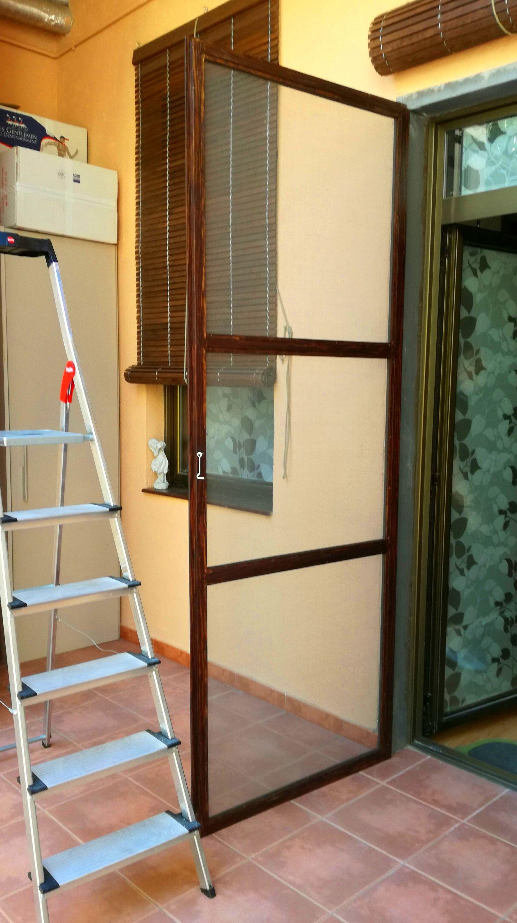 Puerta mosquitera para terraza en barrio de Gracia - BCN