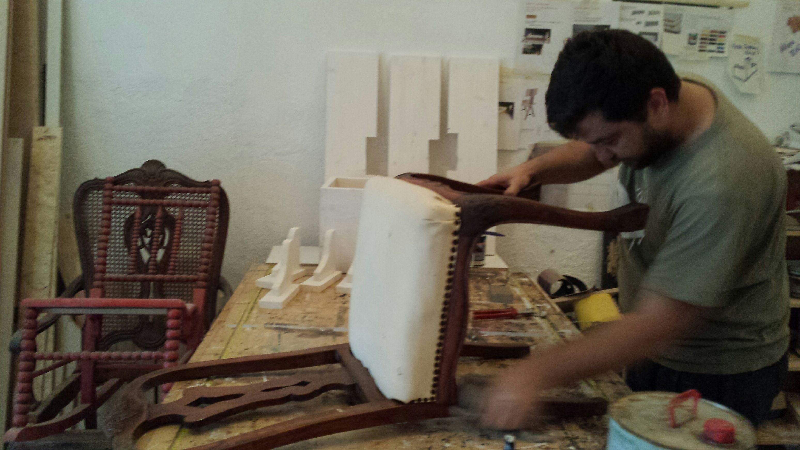 Restauranción de muebles en el Eixample