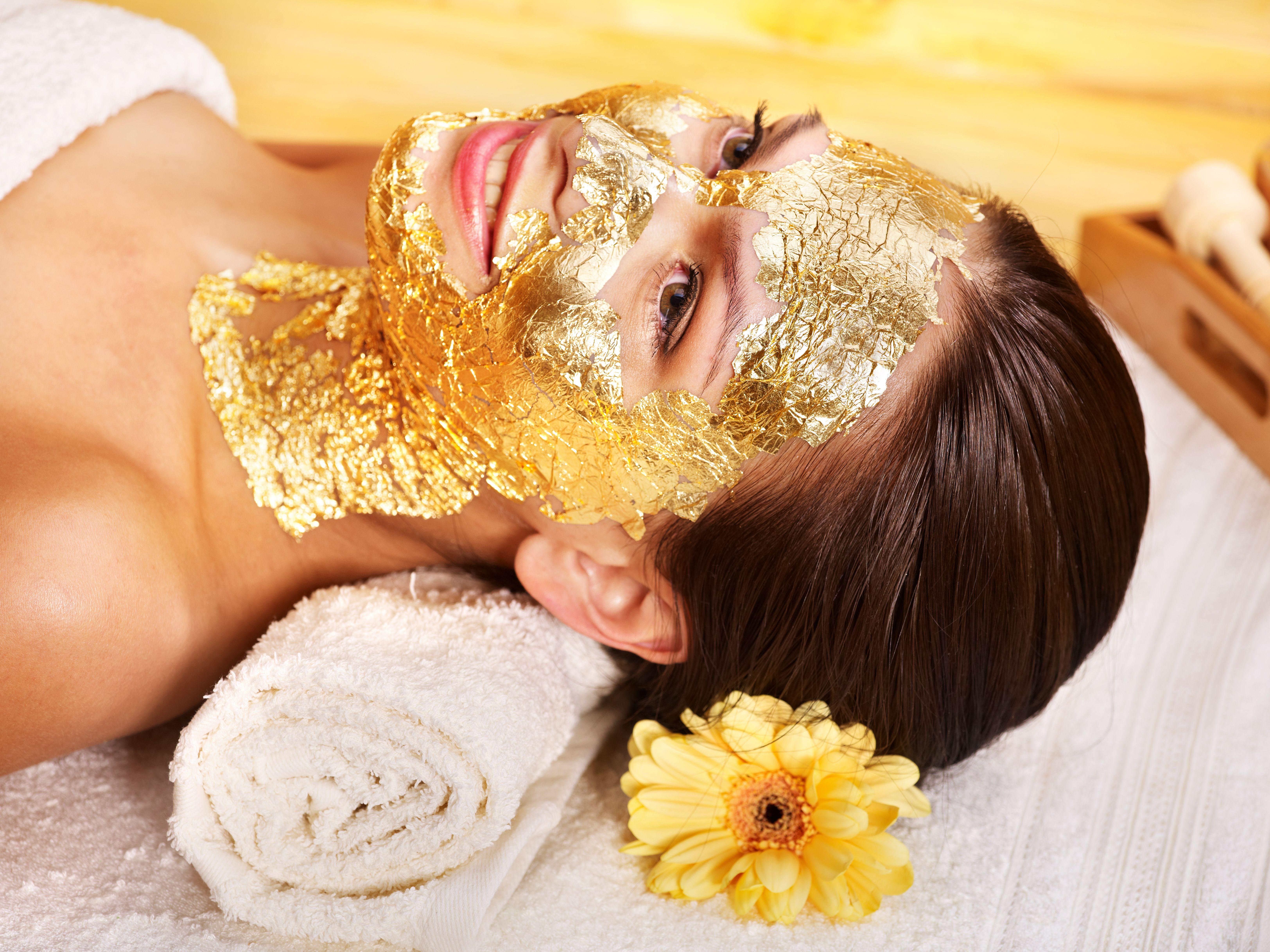 Tratamiento facial con oro: Servicios de Centro de Estética Carmen Martínez