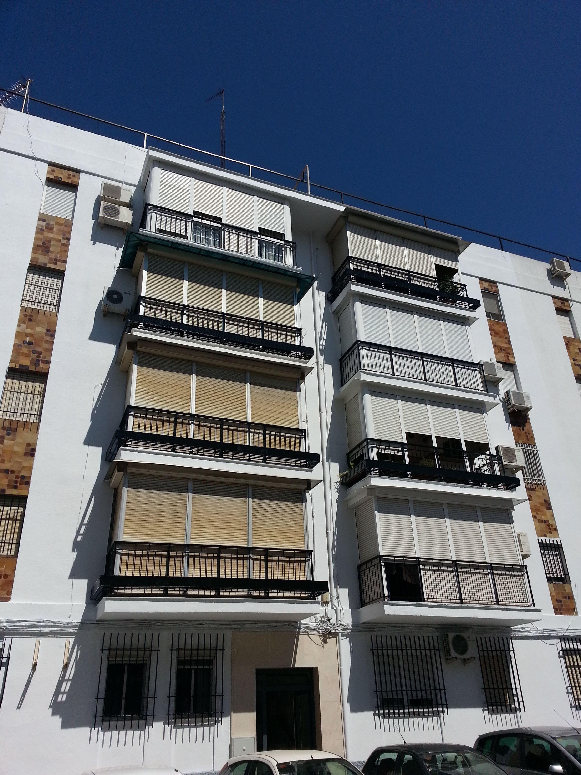 Rehabilitación y pintura de fachadas en Sevilla