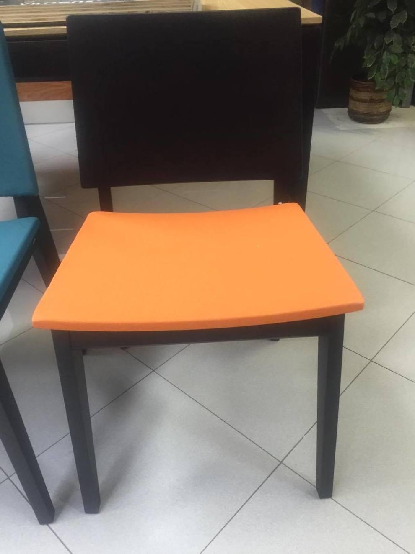 Modelos nuevos de mesas y sillas catalogo de cahema hogar for Catalogo de mesas