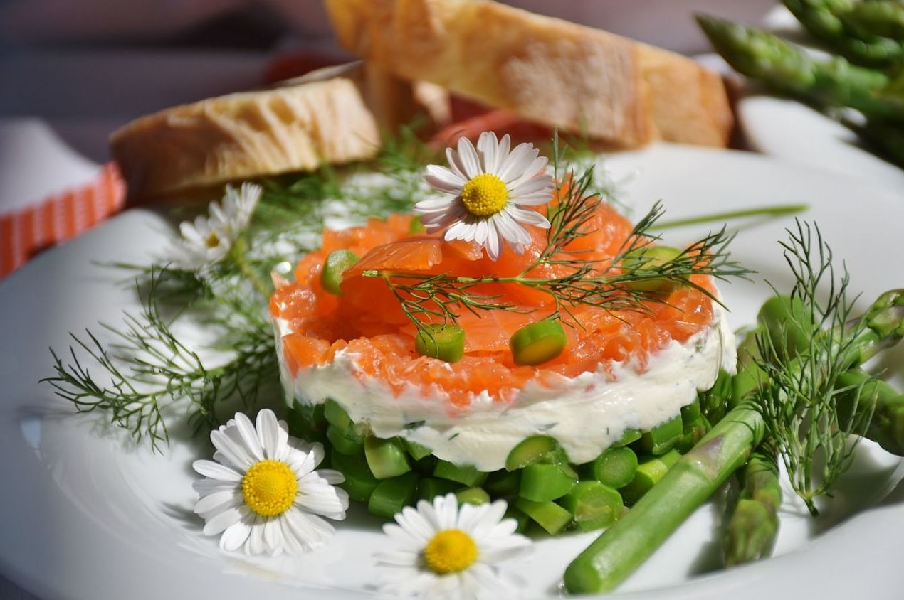 Tartar de salmón ahumado: Carta de Pizzeria Fralisani