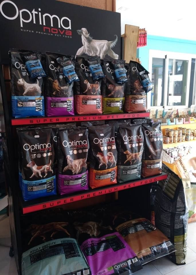 Tienda con alimentación para perros cerca de San Antonio