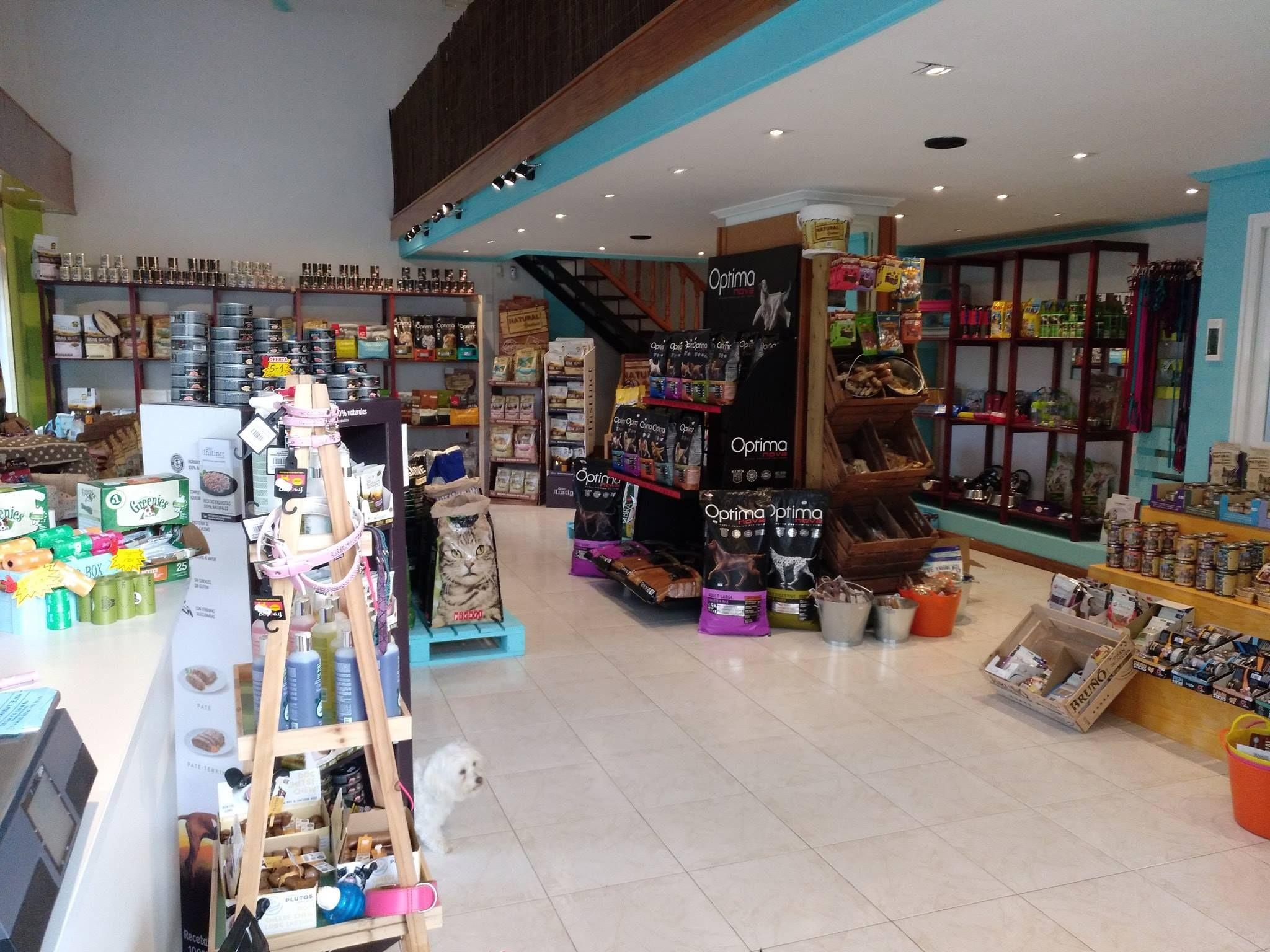 Tienda de mascotas cerca de San Antonio, Ibiza
