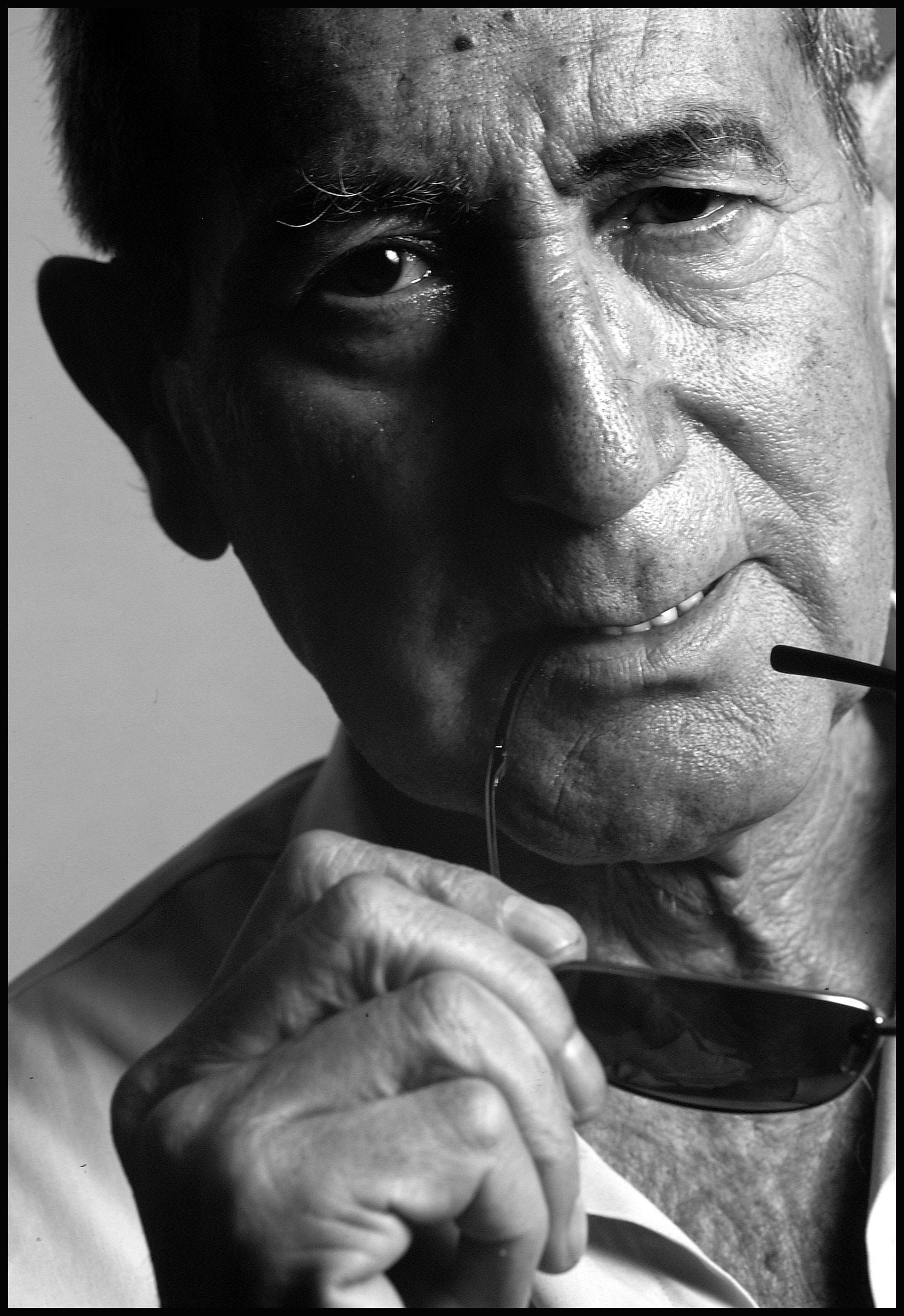 Estudio de fotografía José Luis Sanz. Retrato editorial. Elio Berhanyer