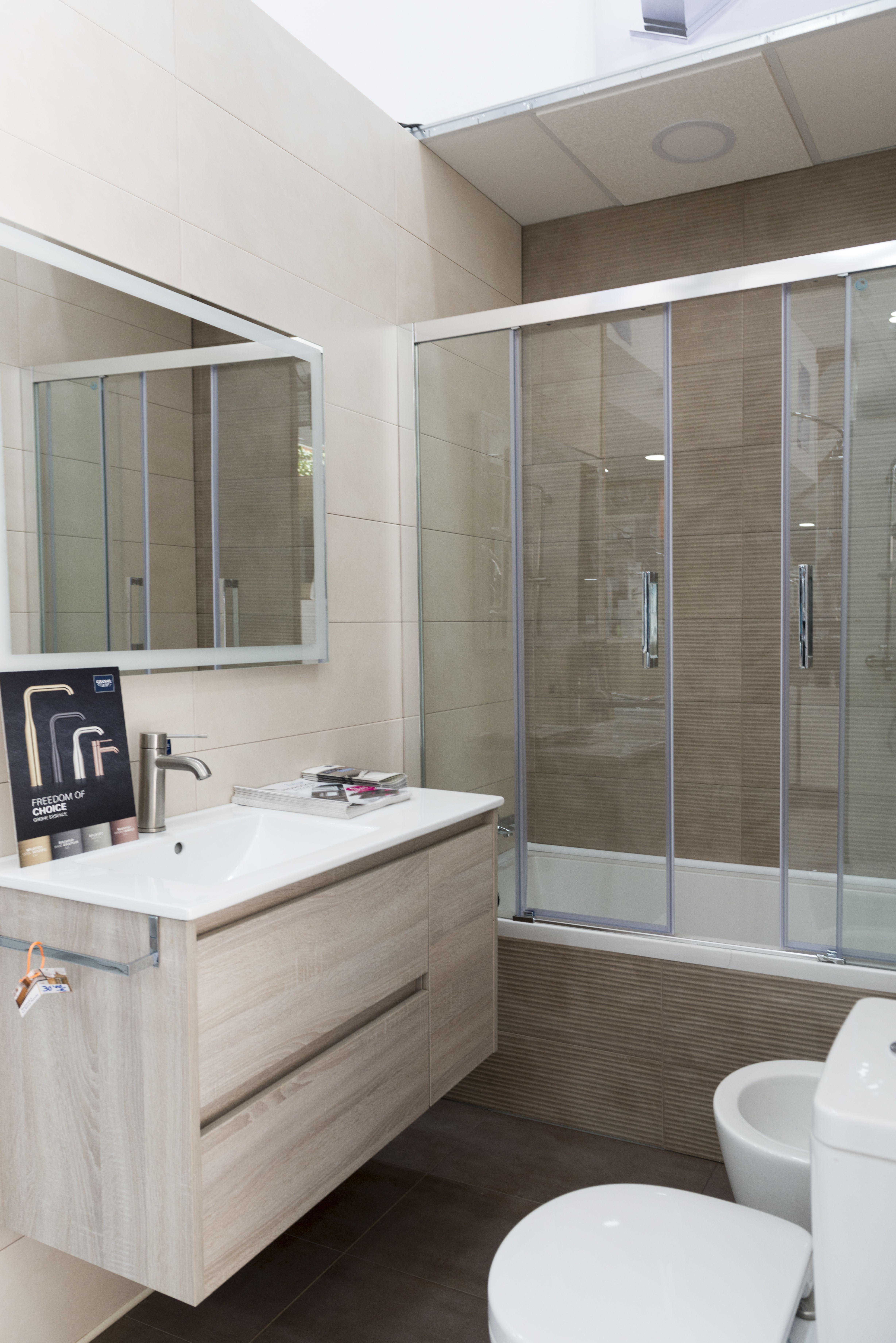 Cambiar bañera por ducha en Cádiz
