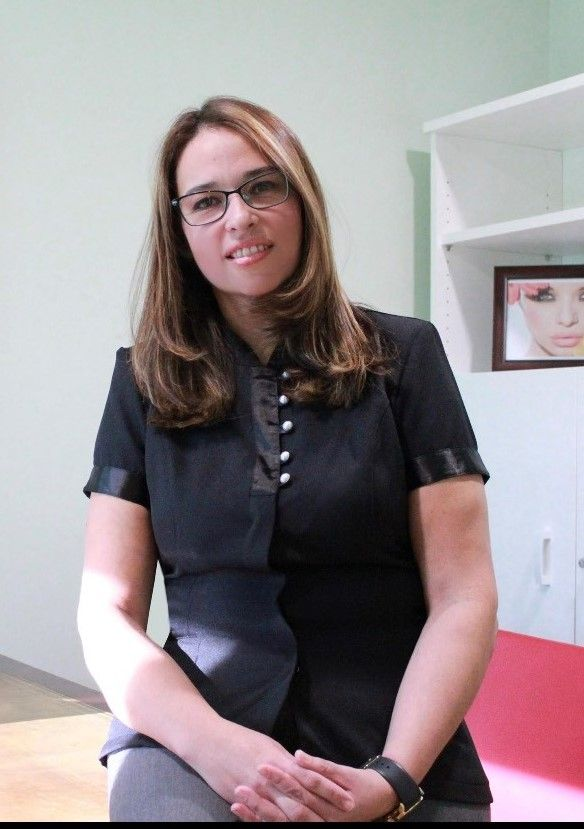 Dra Adriana Antesola