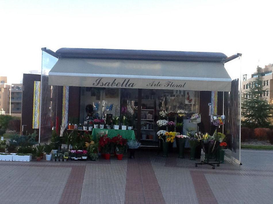 Puestos de flores en el barrio de Las Tablas