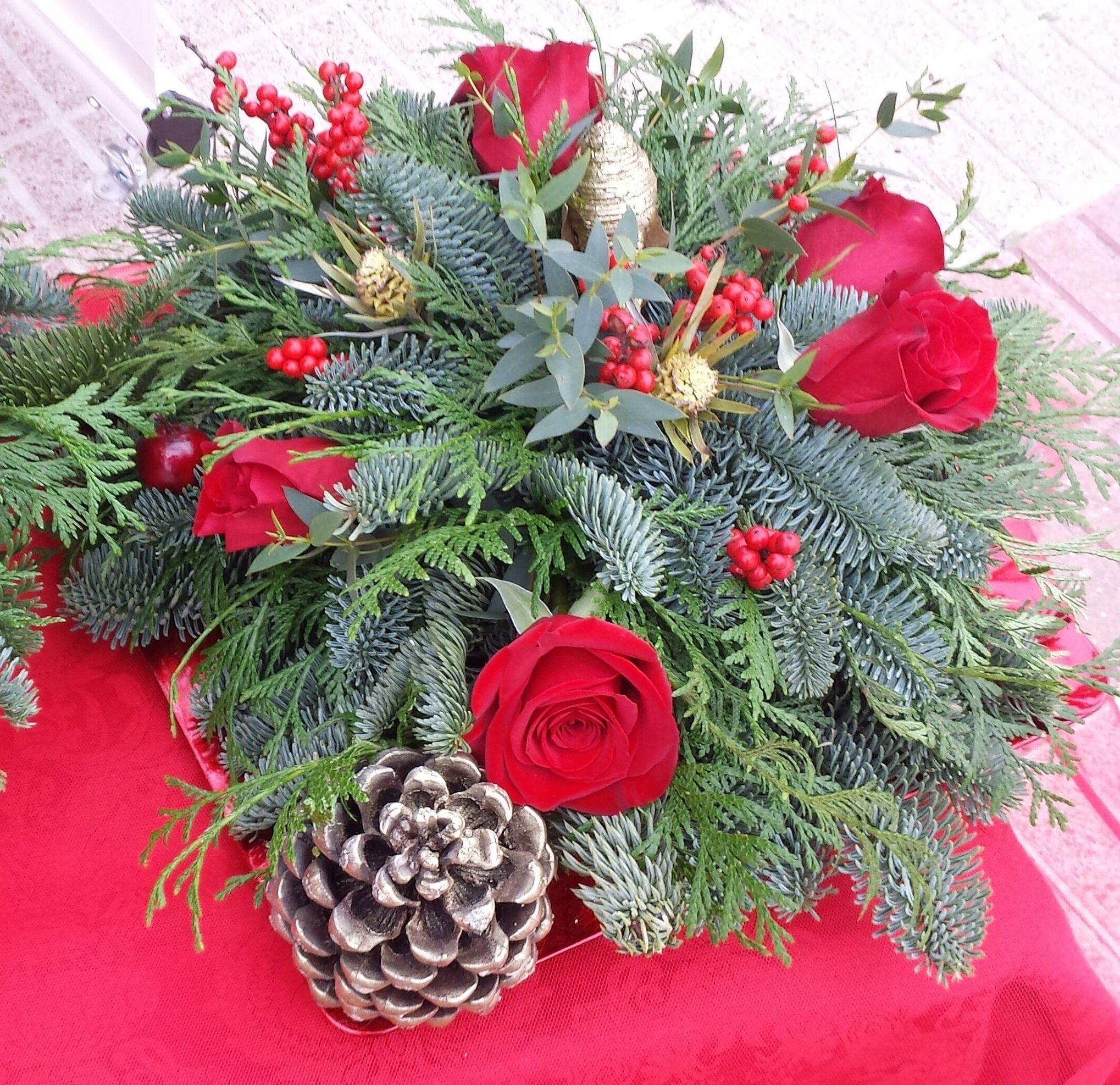 Adornos florales para navidad en Las Tablas