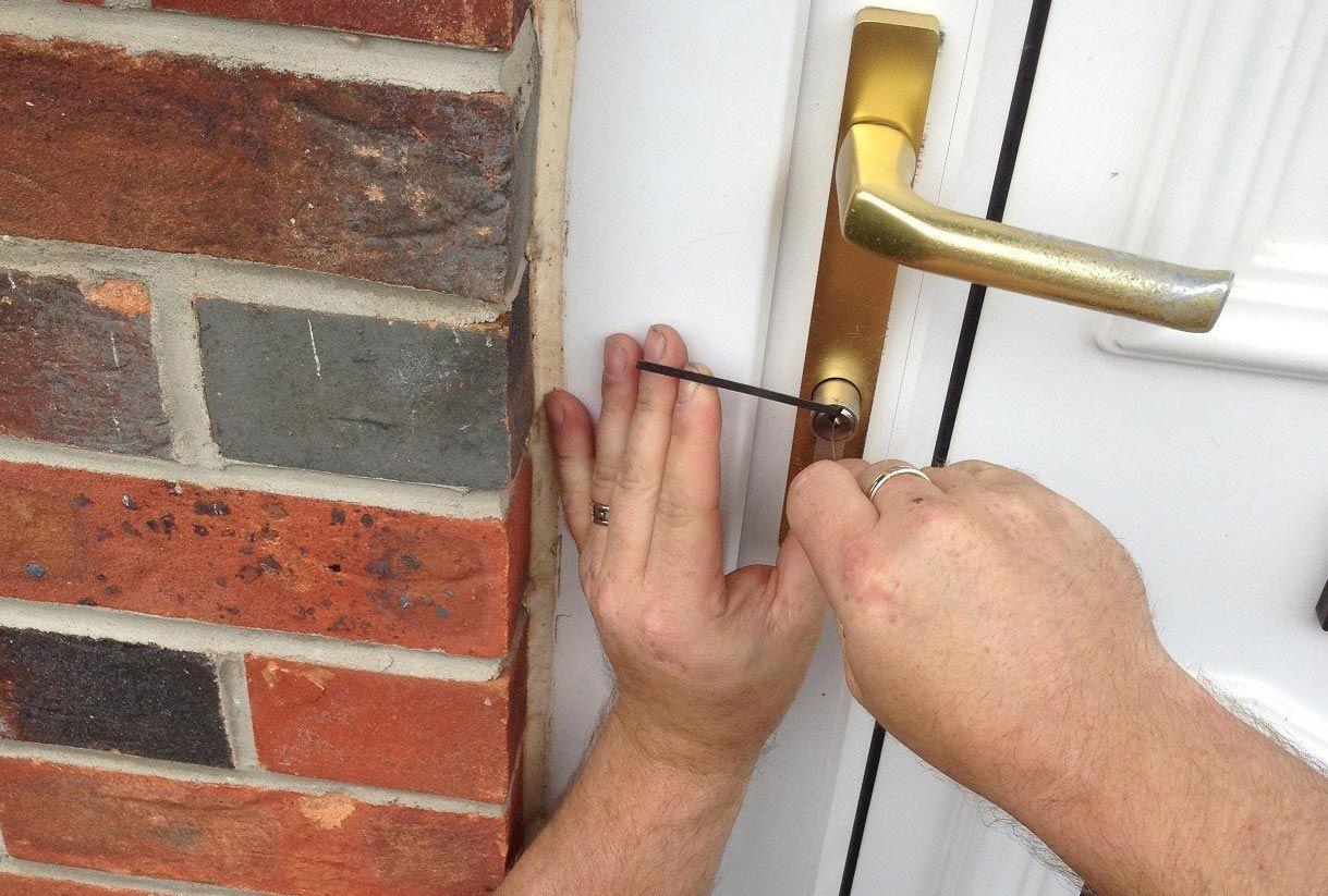Apertura de puertas: Servicios de Cerrajero Vidal