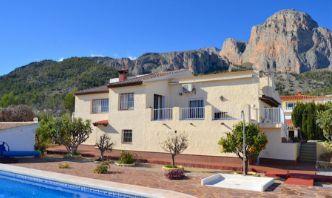 Venta de casas de campo en Alicante