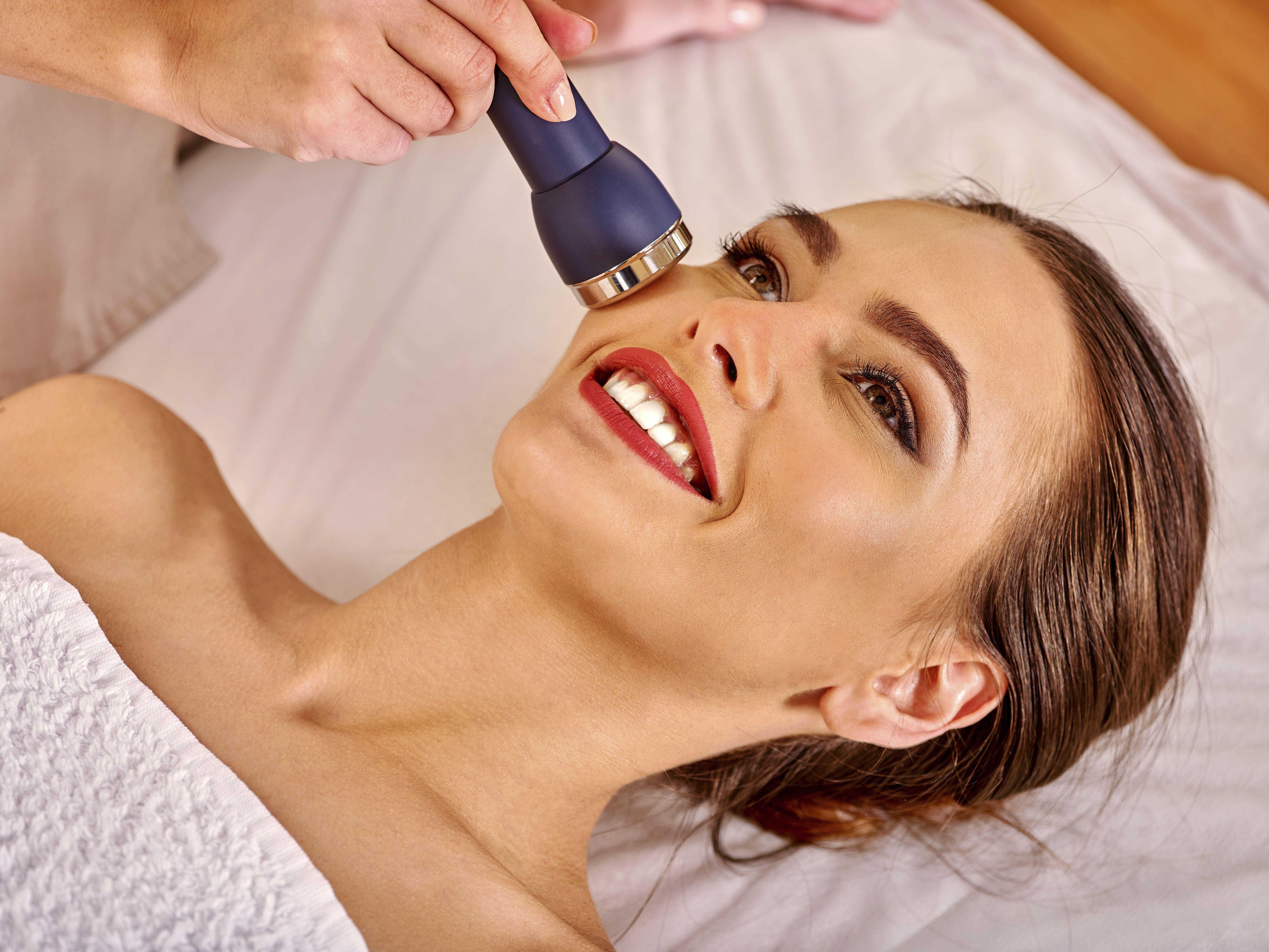 Radiofrecuencia facial: Servicios de Centro de Estética y Peluquería Diana Barajas