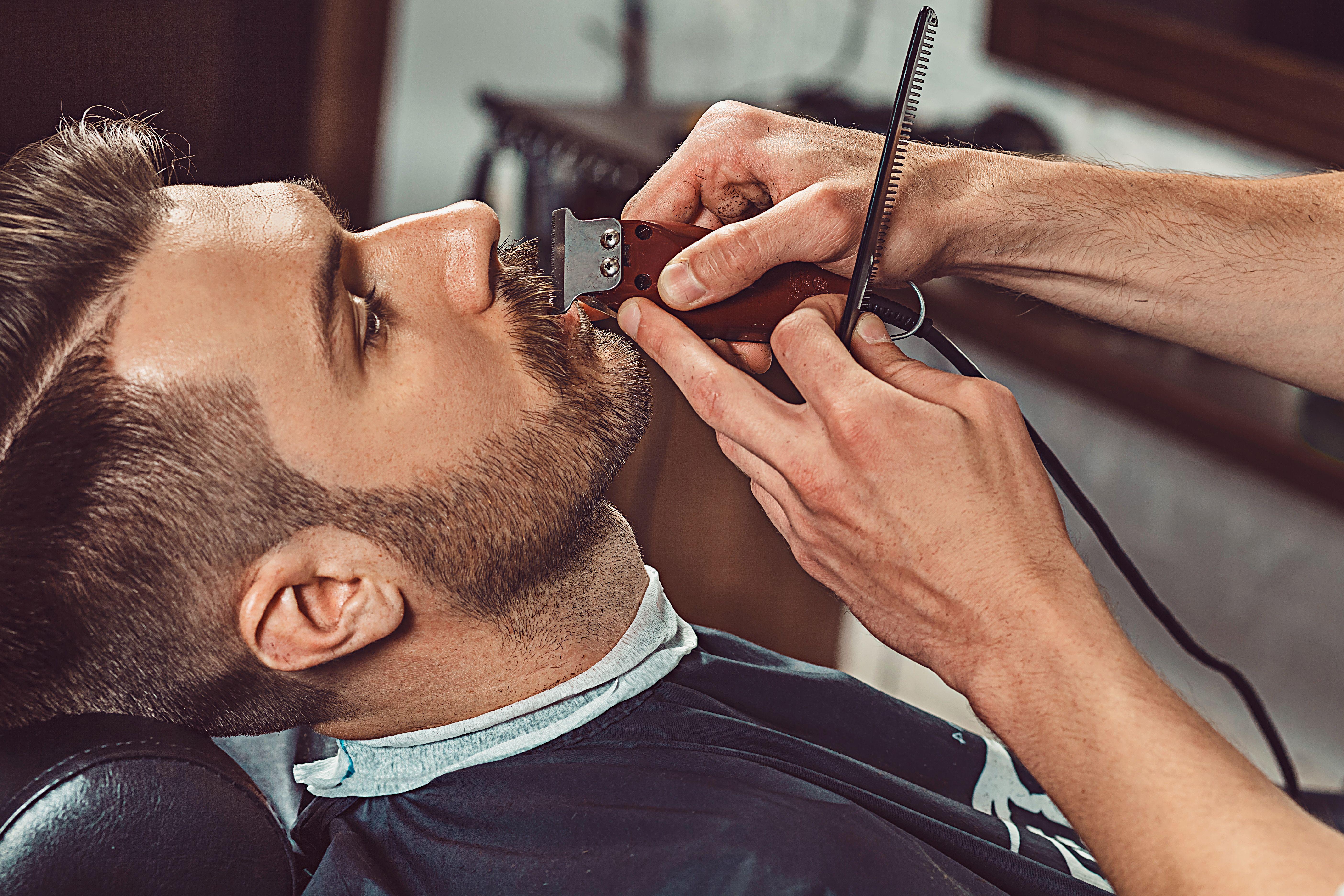 Cortes de barba: Servicios de Centro de Estética y Peluquería Diana Barajas