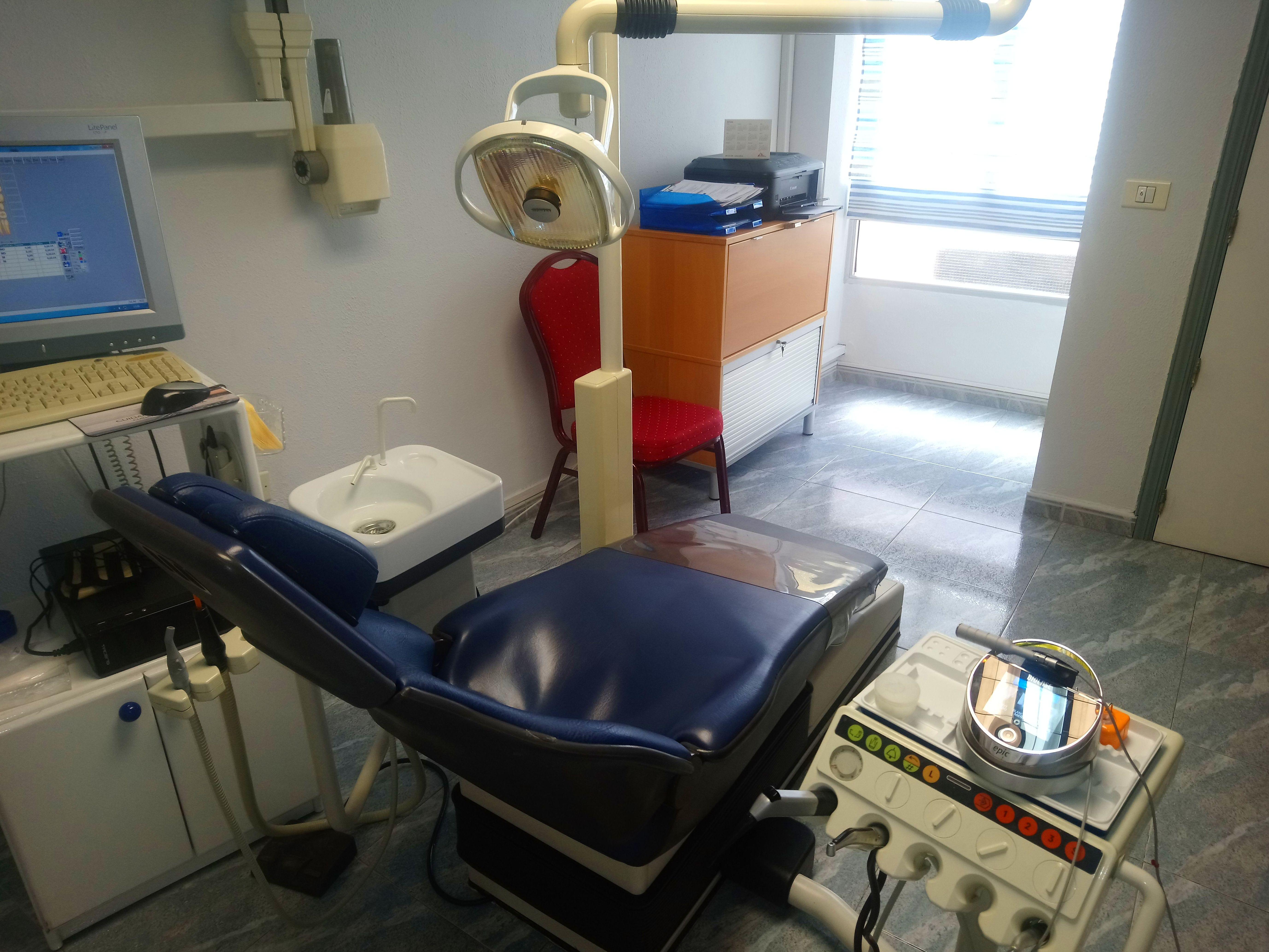 Foto 5 de Clínicas dentales en Santa Cruz de la Palma   Clínica Dental Dra. Belkys Hernández Cabrera