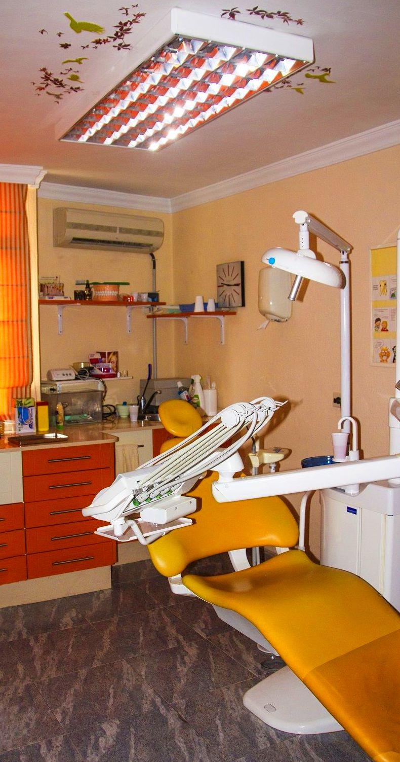 Foto 5 de Clínicas dentales en Santa Cruz de la Palma | Clínica Dental Dra. Belkys Hernández Cabrera