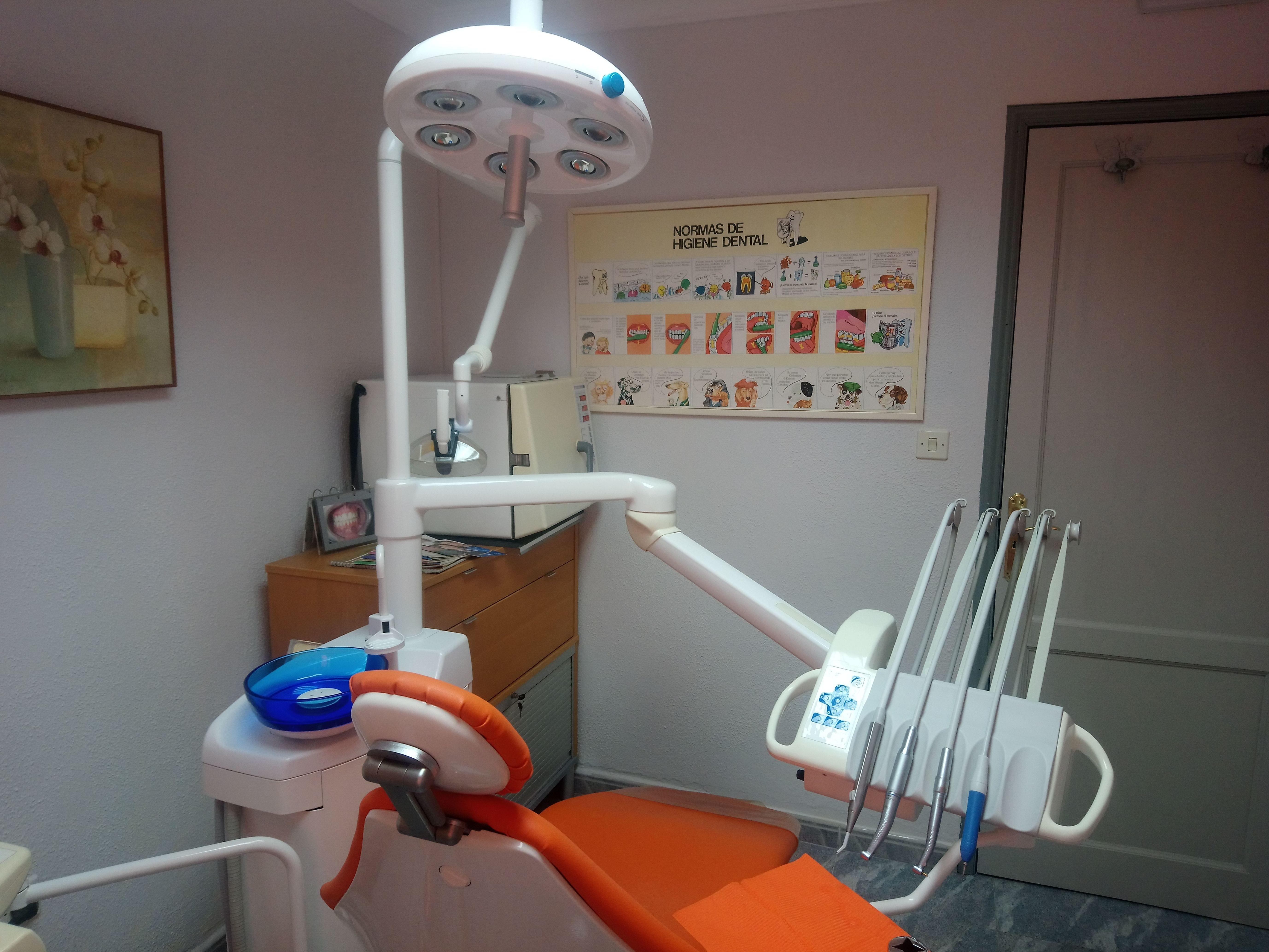 Foto 1 de Clínicas dentales en Santa Cruz de la Palma | Clínica Dental Dra. Belkys Hernández Cabrera