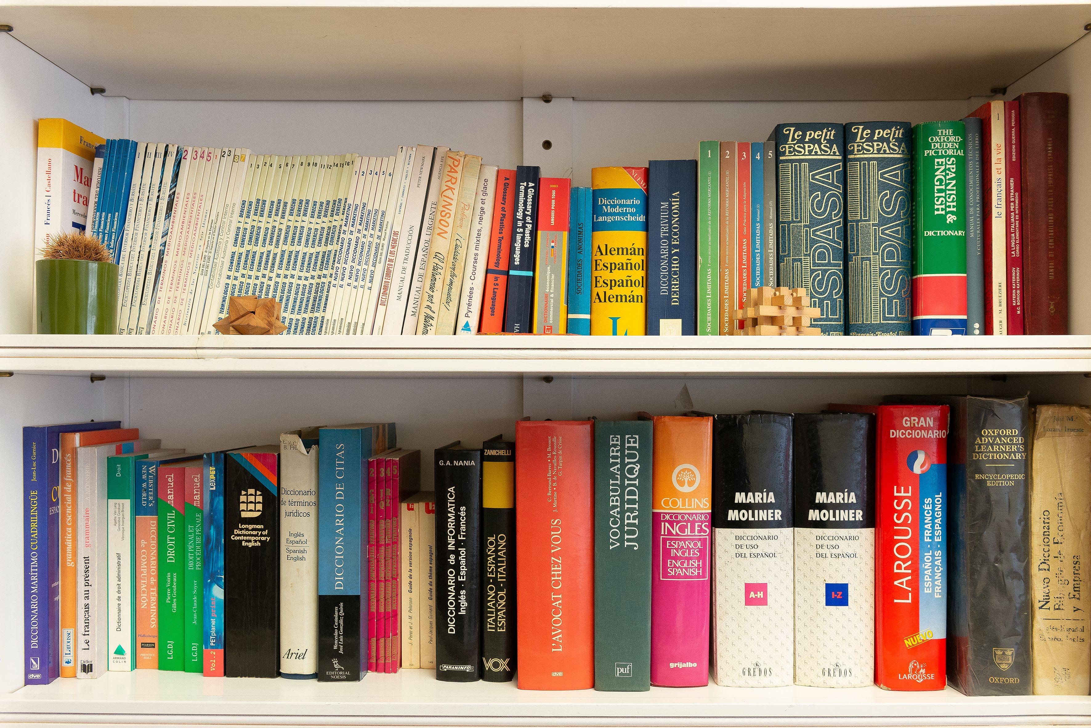 Servicios de traducción, interpretación, corrección y revisión de textos