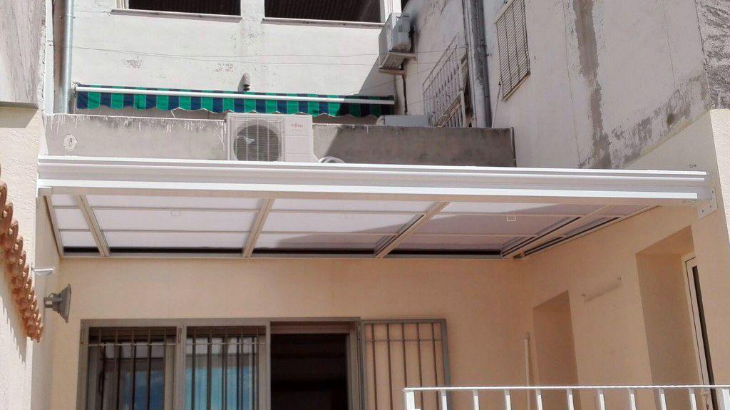 Techo móvil en terraza