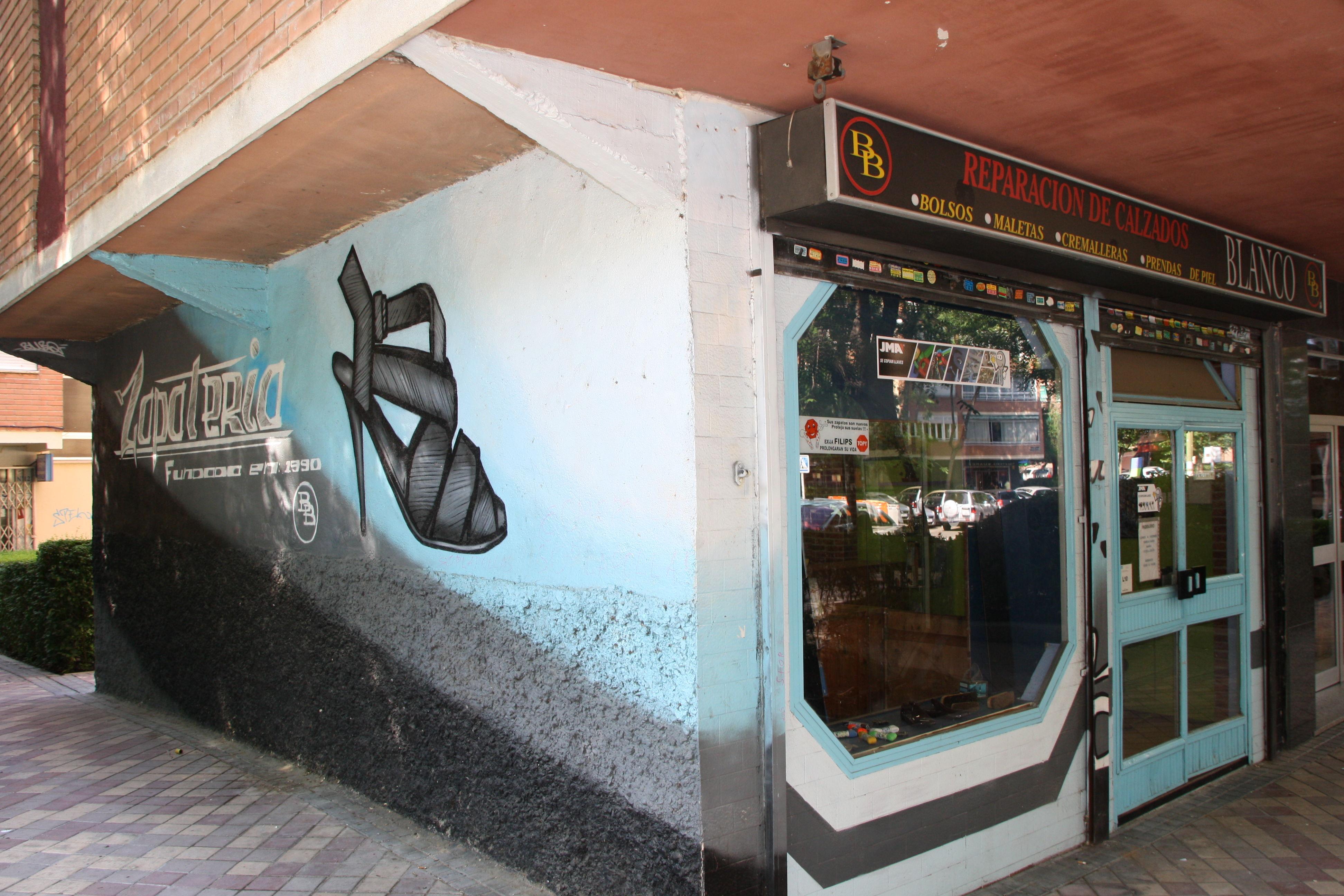 Foto 5 de Reparación de calzado en Madrid | Reparación De Calzado Blanco