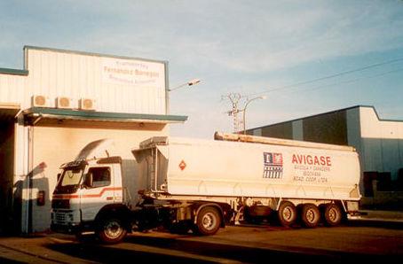 Realizamos transporte a granel de piensos, cereales y áridos