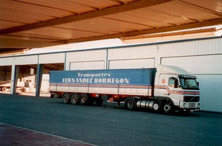 Disponemos de una amplia flota de camiones