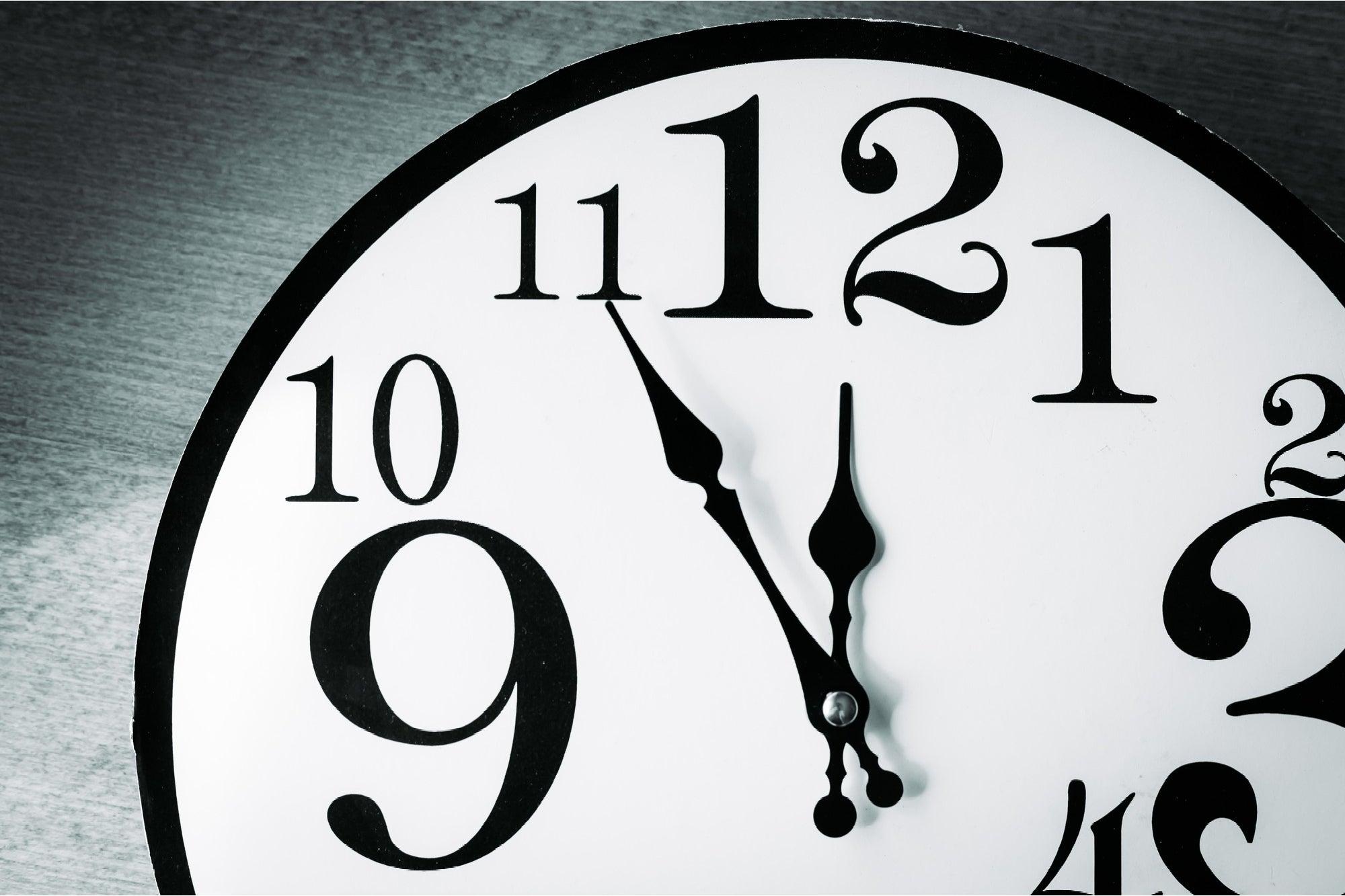 1611960398-RelojdelJuicioFinal.jpg