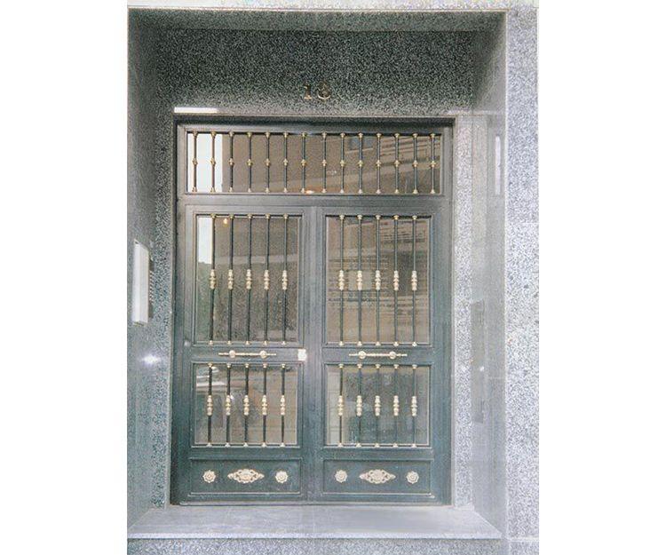Mantenimiento de puertas en Fuenlabrada
