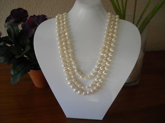 Collar de tres vueltas de perlas barrocas