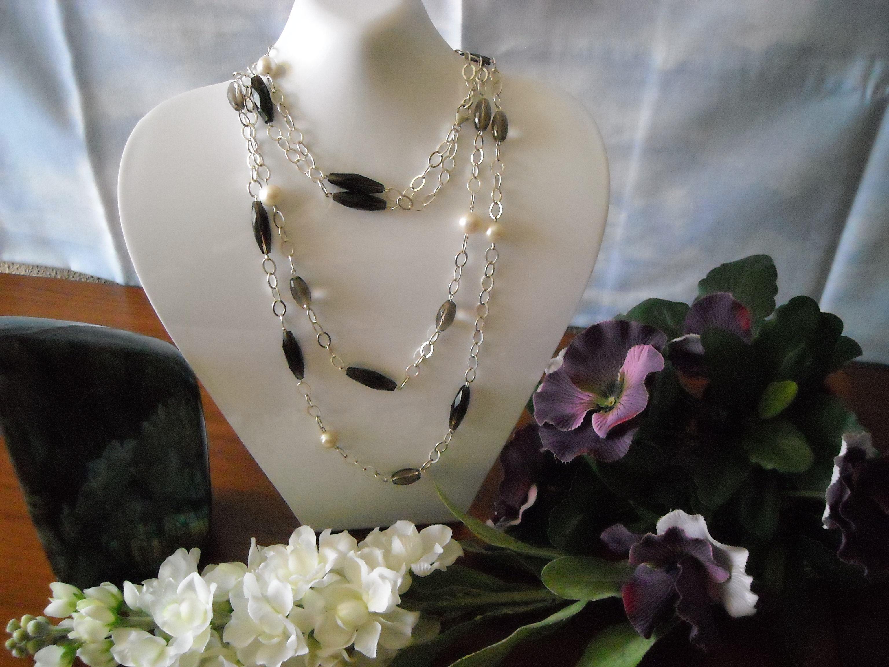 Cuarzo ahumado, perlas y plata