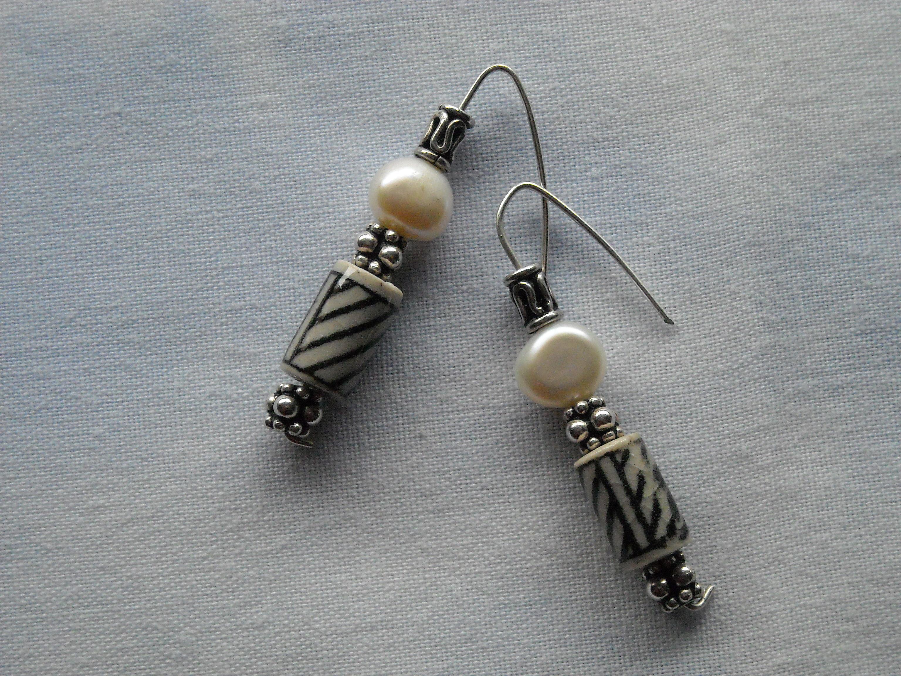 Perlas y abalorios de hueso