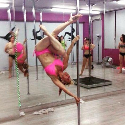 Foto 60 de Escuelas de música, danza e interpretación en Barcelona | Feeling Woman Pole Dance-Sport