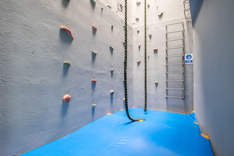 Clases y curso de acrobacias en Barra en Poblanou