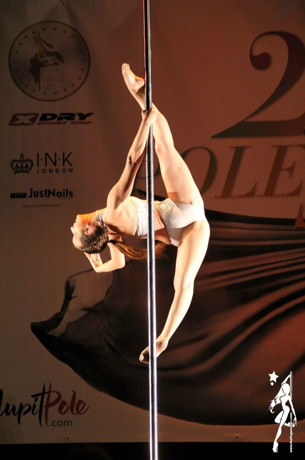 Foto 26 de Escuelas de música, danza e interpretación en Barcelona | Feeling Woman Pole Dance-Sport